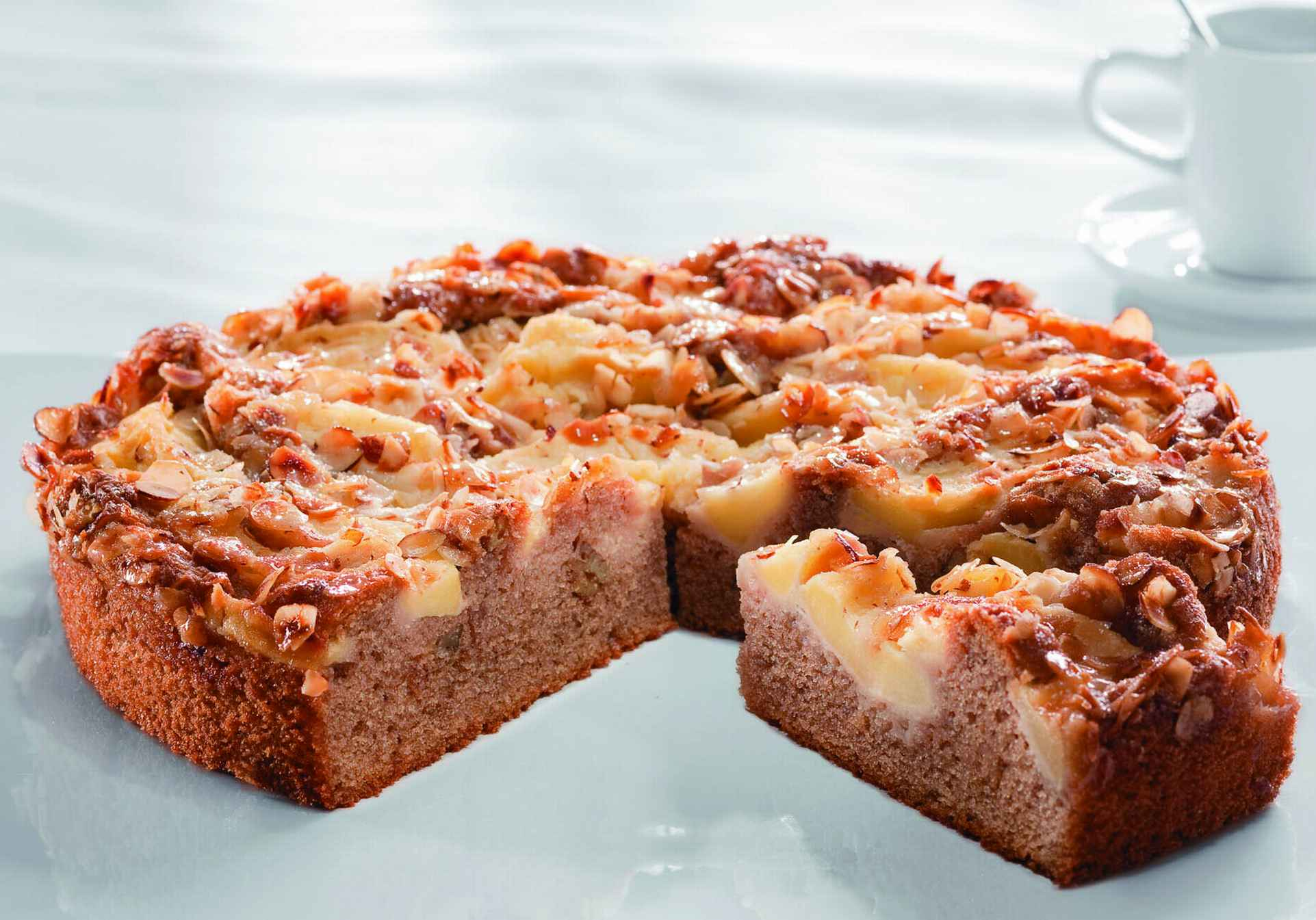 VIENNESE APPLE CAKE