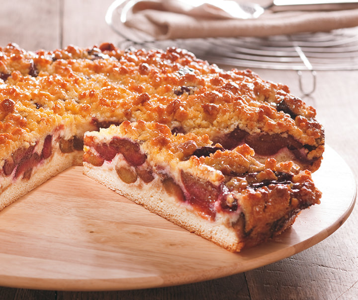 Country-style plum cake with butter crumbles