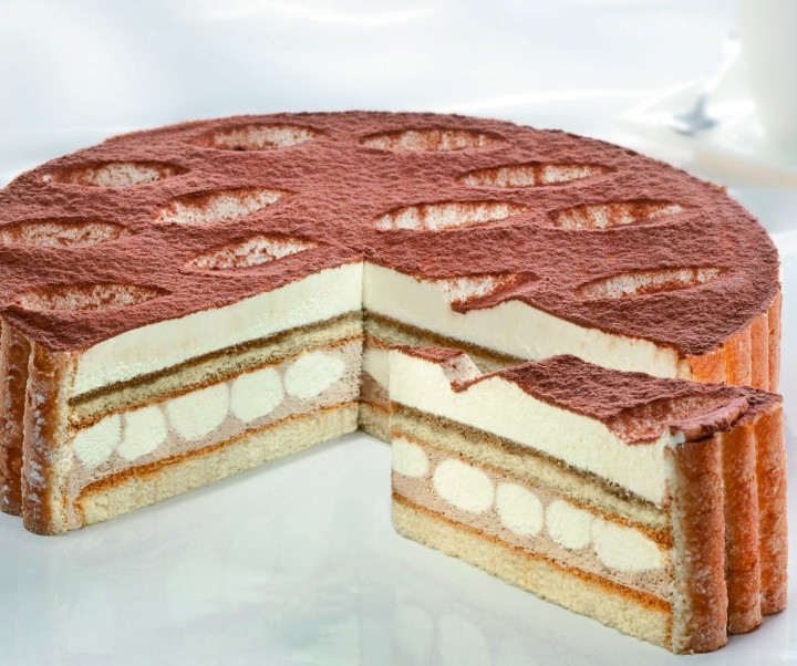CREAM GATEAU TIRAMISU