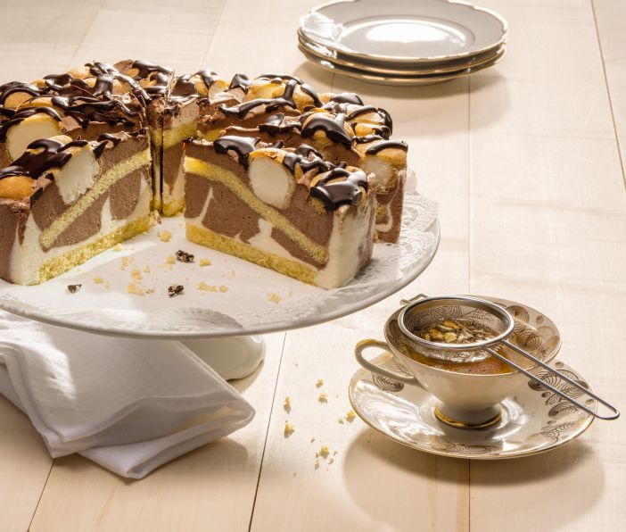 Exquisite cream gateaux