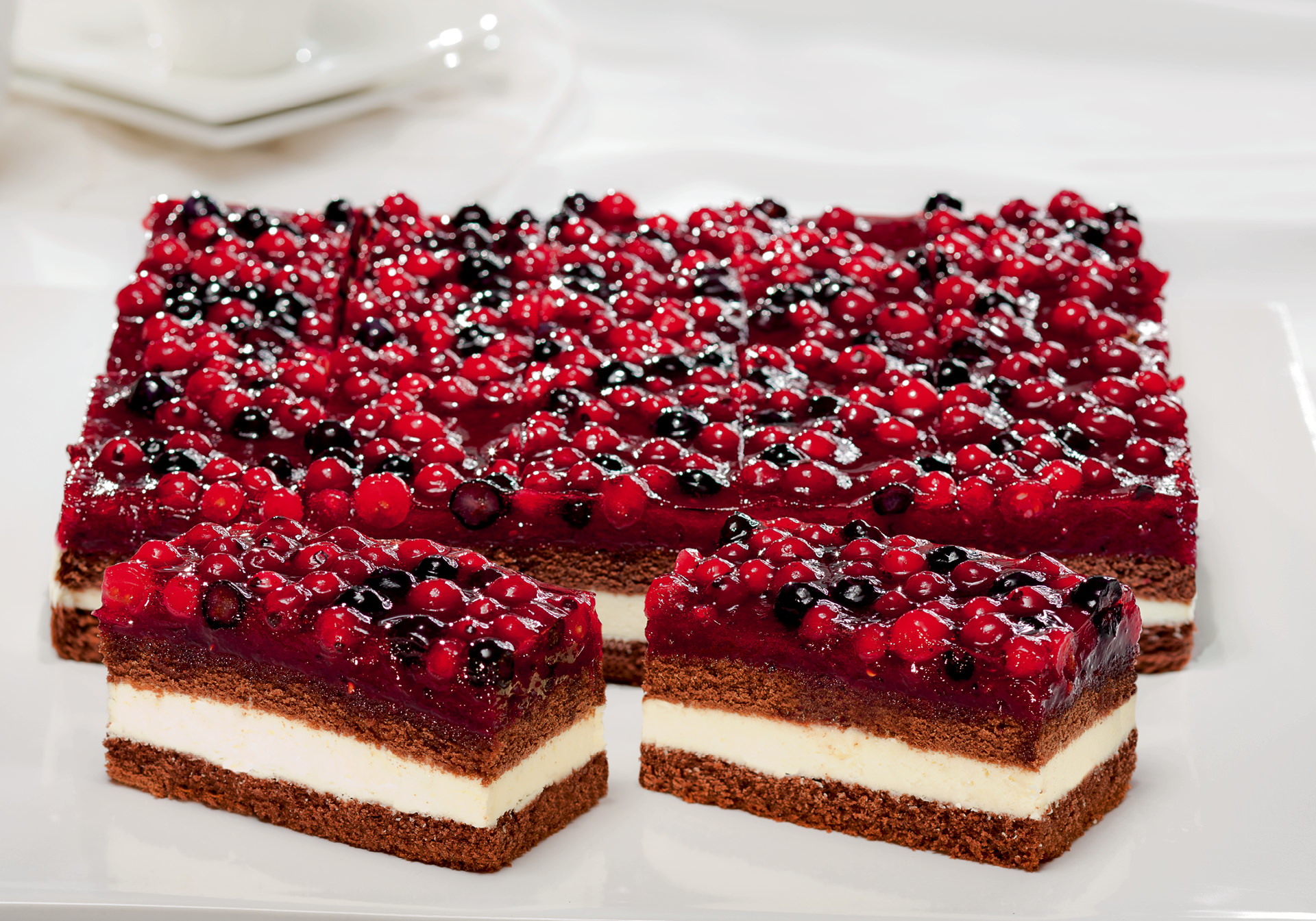Forest fruit cream slice